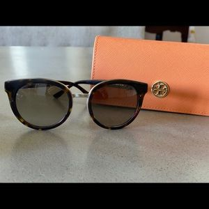 FLASHSALE Tory Burch Sunglasses